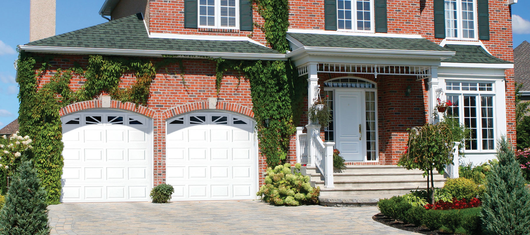 410/411 Traditional Raised Panel Garage Door