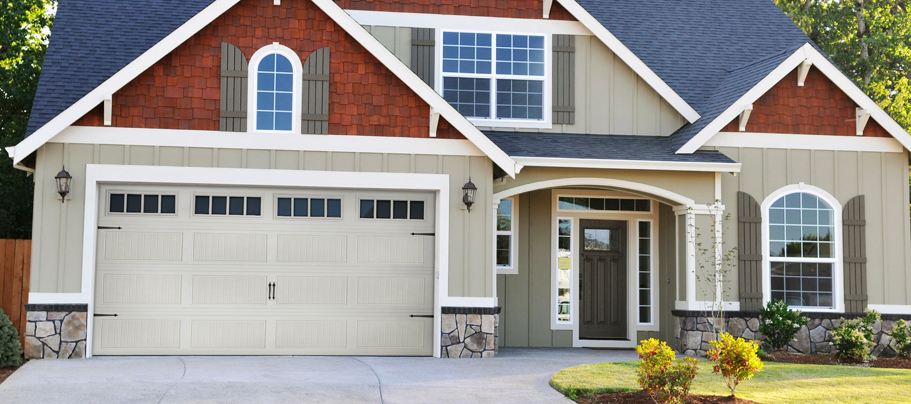 440/441 Long Grooved Panel Garage Door