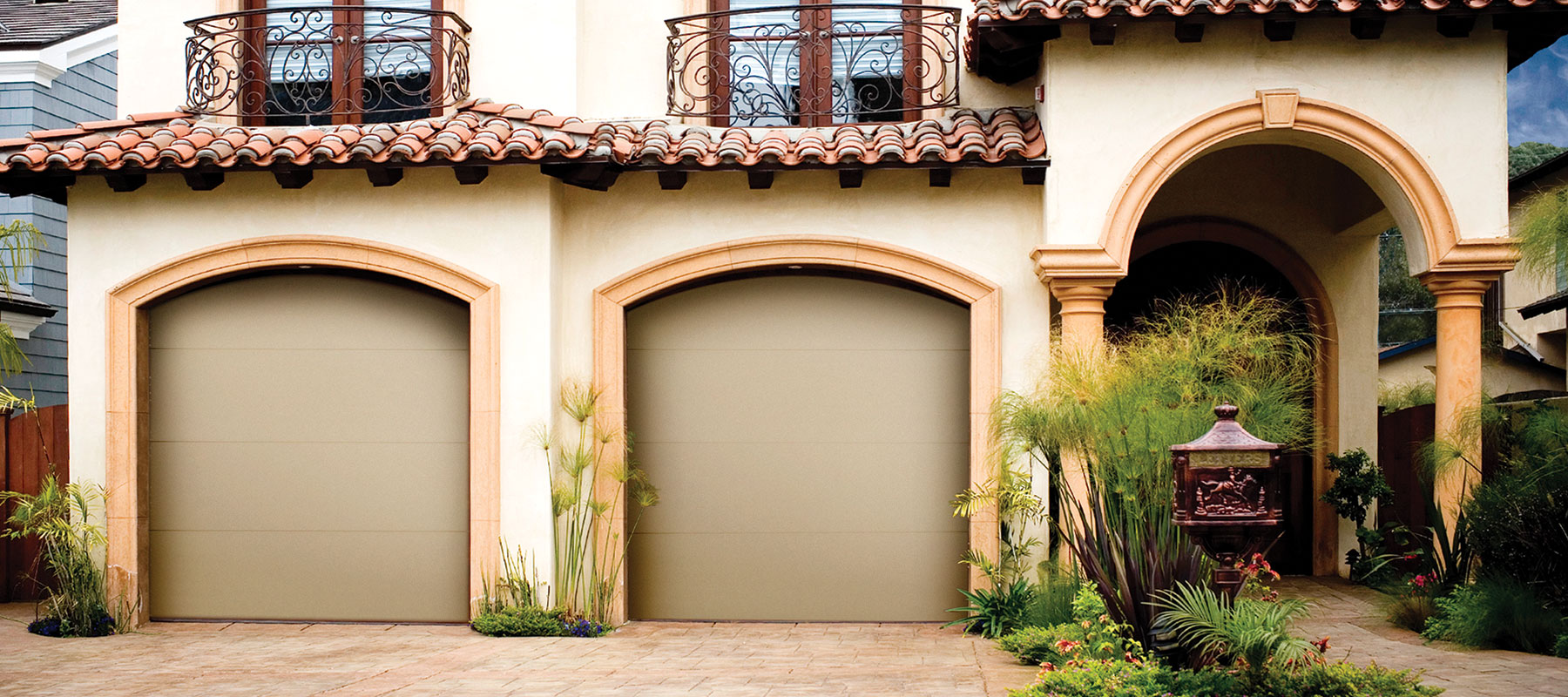 450/451 Flush Panel Garage Door
