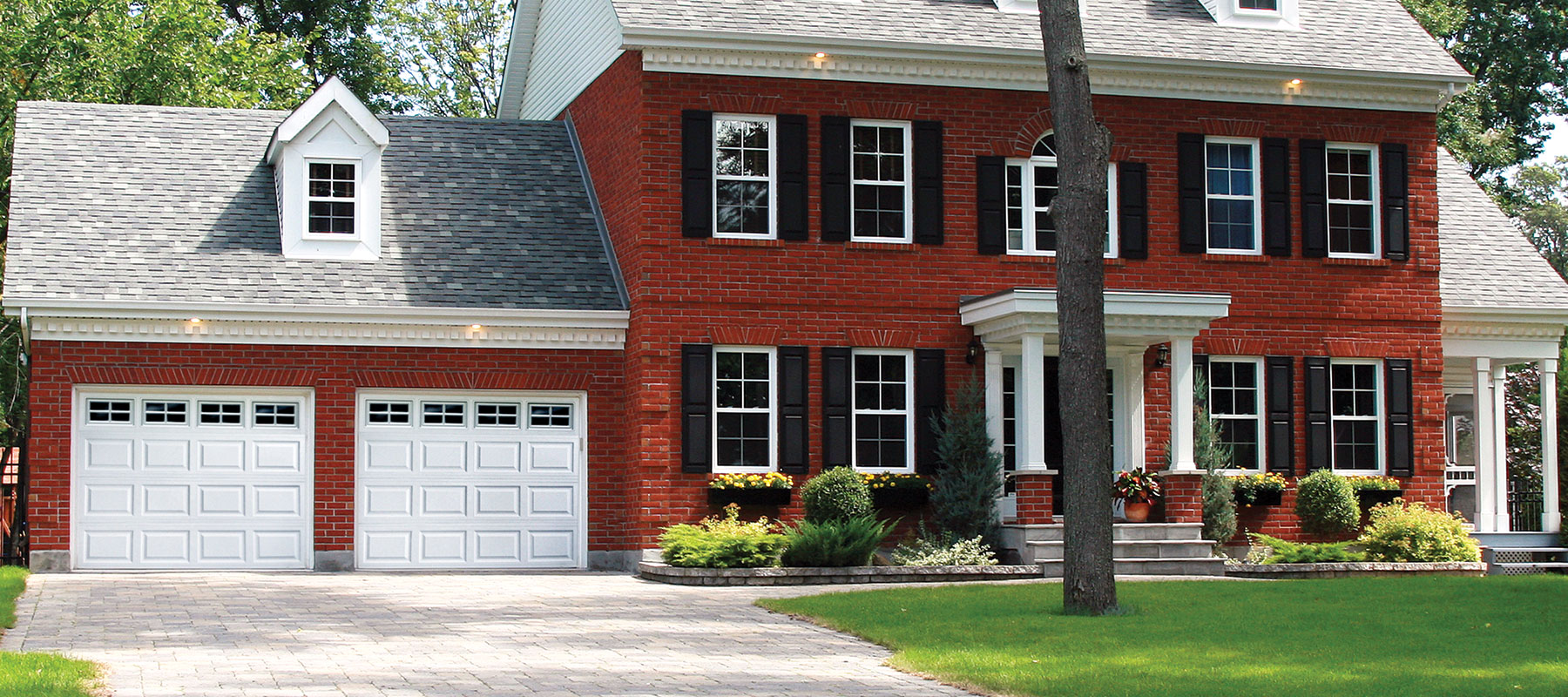 510/511 Traditional Raised Panel Garage Door